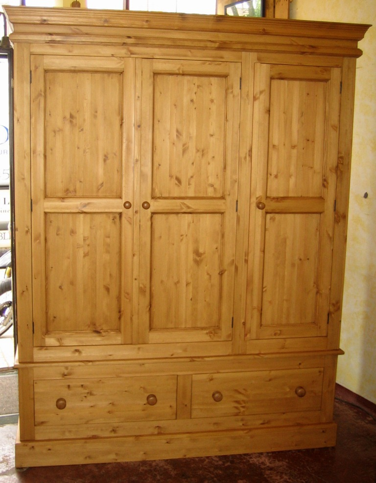 Welcome To Holders Fine Furniture Priory Pine Wardrobes